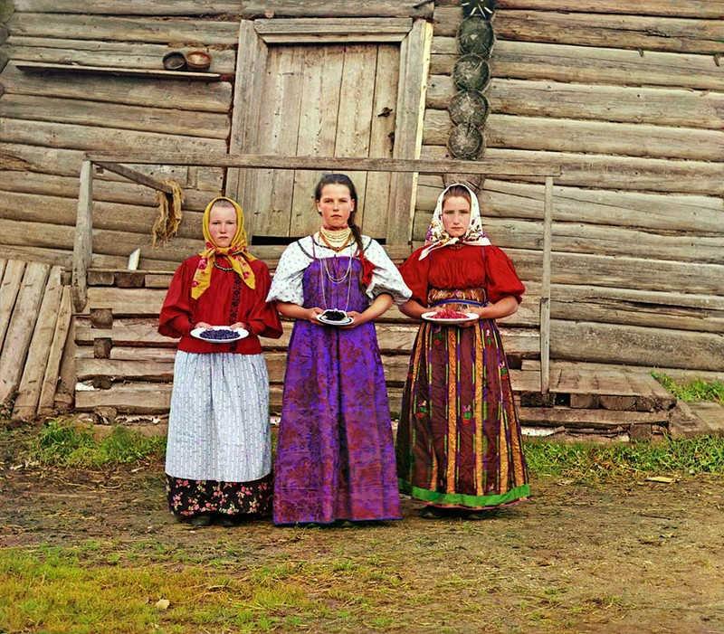 Młode kobiety z czasów carskiej Rosji