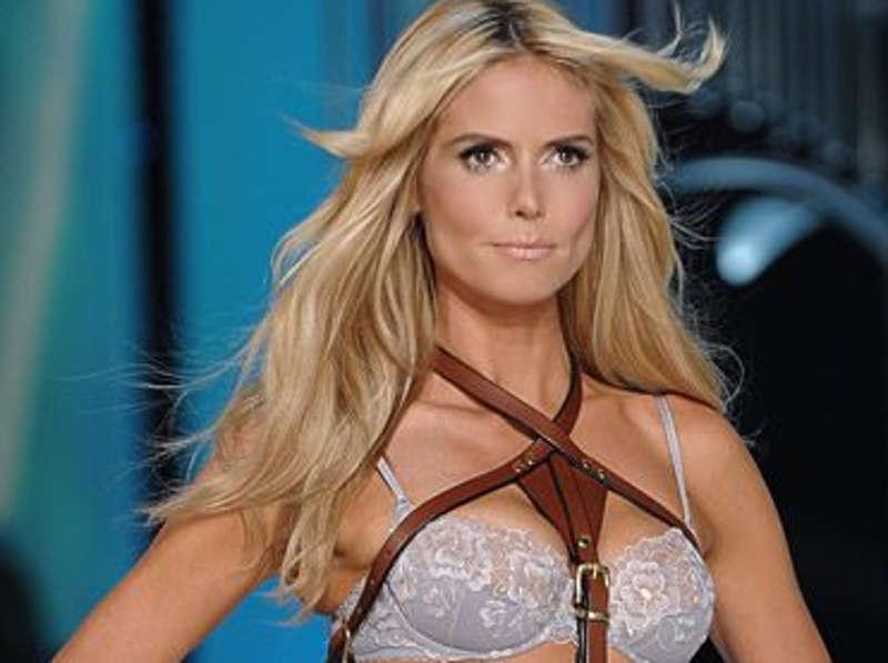 Heidi Klum w modnej kreacji