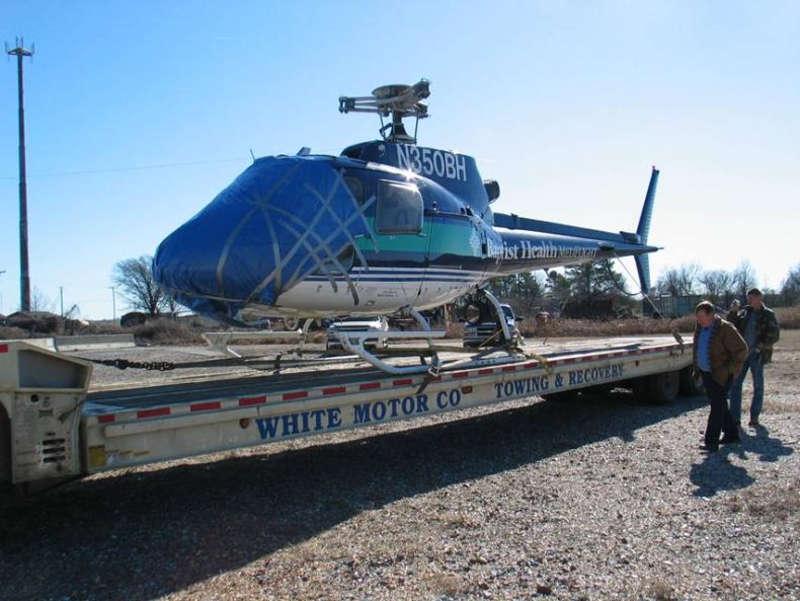 Rozbity helikopter na lawecie