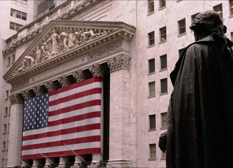 Flaga Stanów Zjednoczonych na jednym z budynków