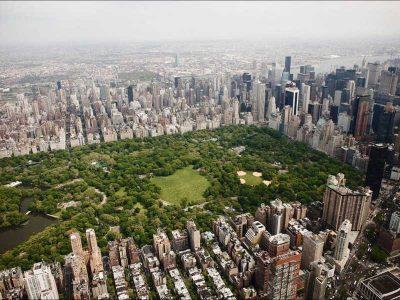 Zielony park w centrum Nowego Jorku z lotu ptaka