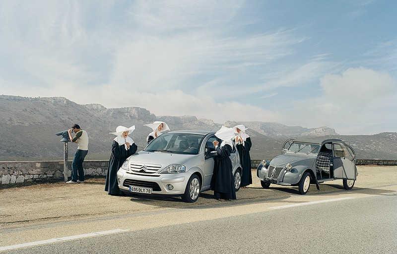 Francuskie zakonnice przy Citroenie