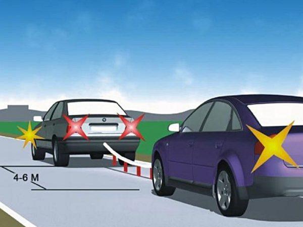 Jeden samochód holuje drugie auto