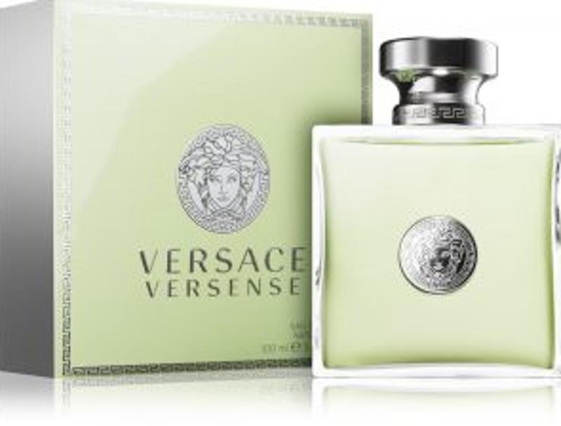 Zapach piżma Versace otrzymał najbardziej entuzjastyczne recenzje klientek